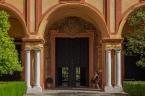 Real Alcázar. Patio del Crucero. Fachada del Templo Gótico